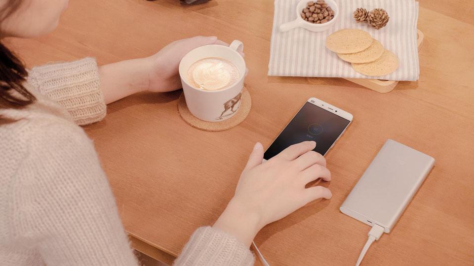 Универсальная батарея Xiaomi Mi Powerbank 2 заряжает быстрее, чем предыдущая версия