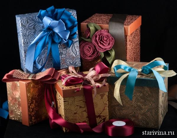 Подарочная упаковка подарков и фарфоровых статуэток в нашем магазине