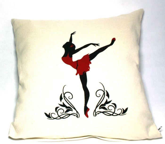 декоративная подушка с принтом