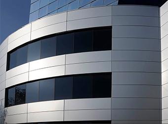 Фасад из алюминиевых кассет - пример