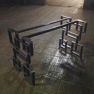 Геометрический дизайн подстолья лофт
