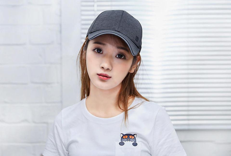Бейсболка Mi baseball cap девушка в кепке