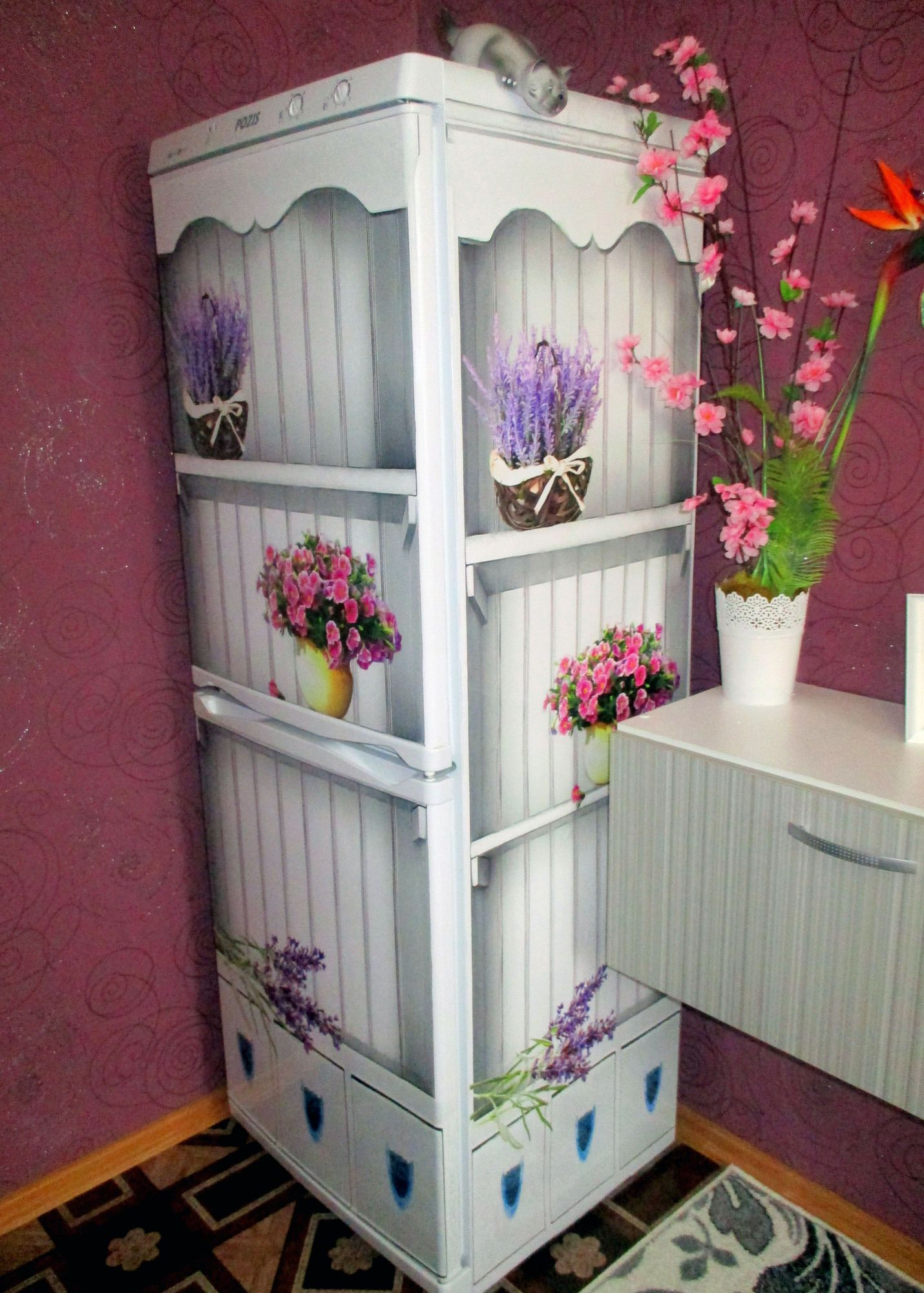 Виниловая наклейка на холодильник