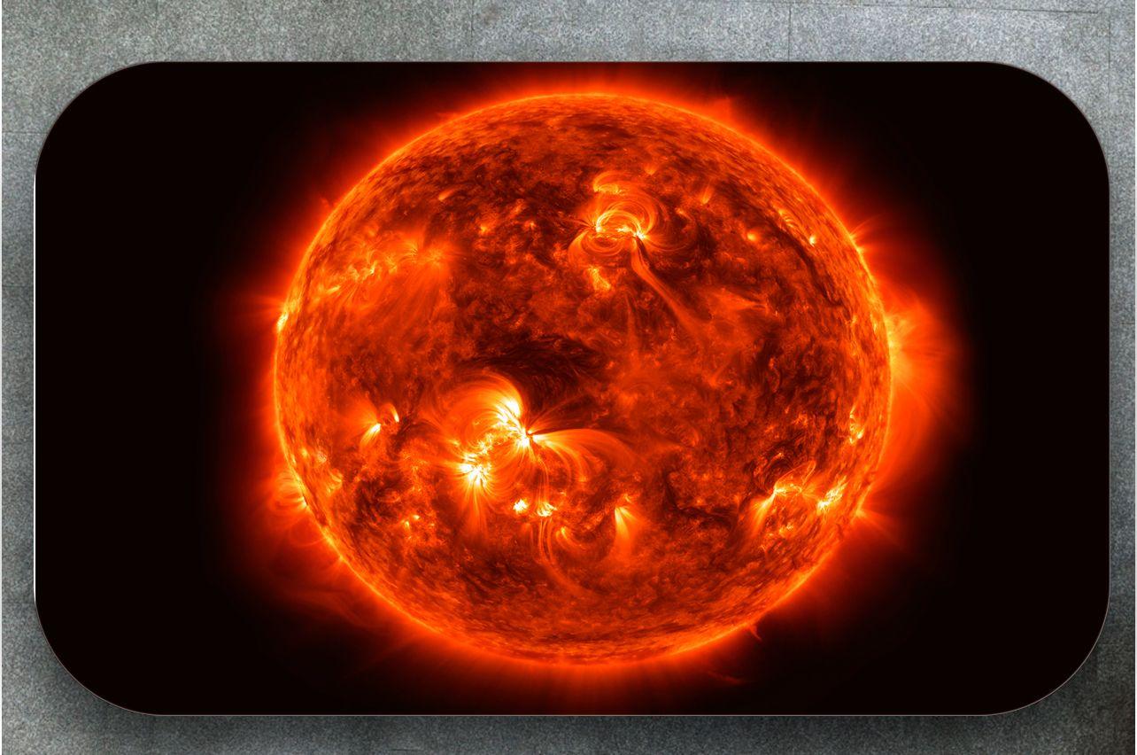 Наклейка на стол - Солнце | Купить фотопечать на стол в магазине Интерьерные наклейки