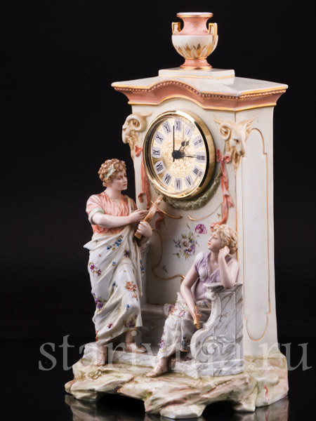 Фарфоровые антикварные часы фото