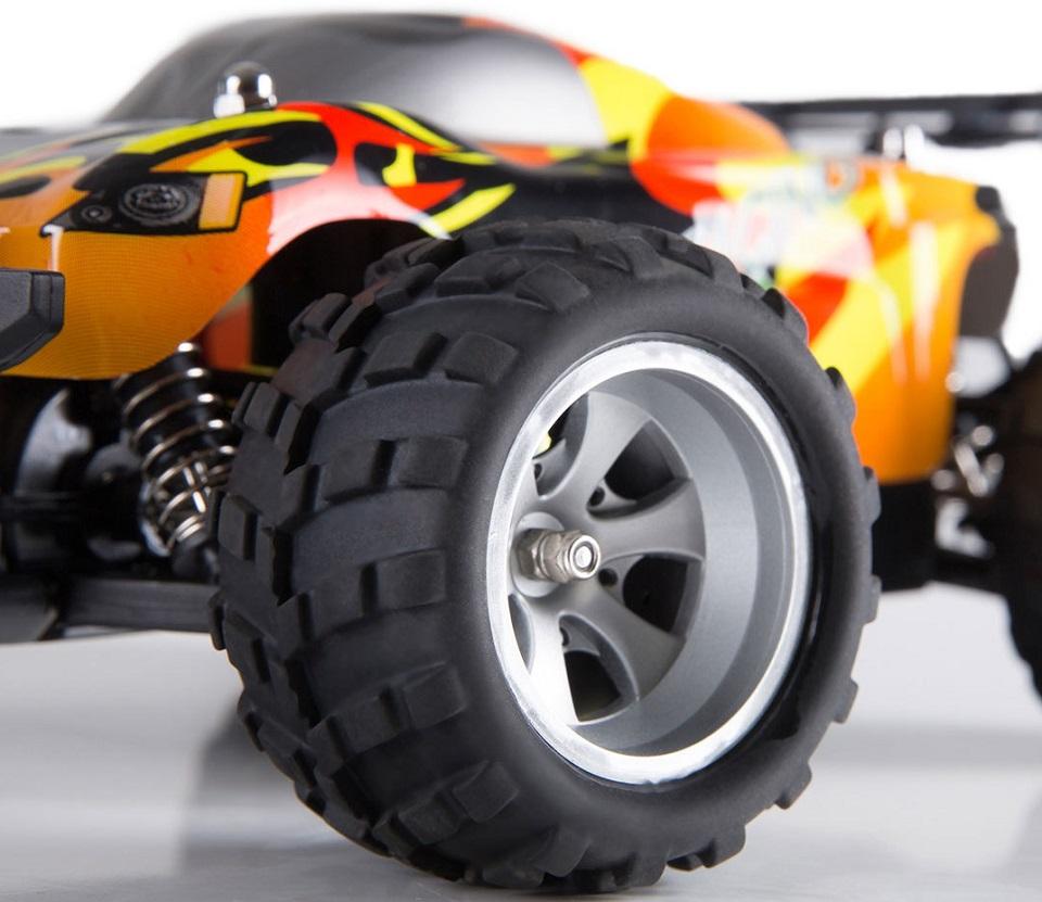 Машинка на д/у Xiaomi Run Cool Smart Speed Racing колеса крупным планом