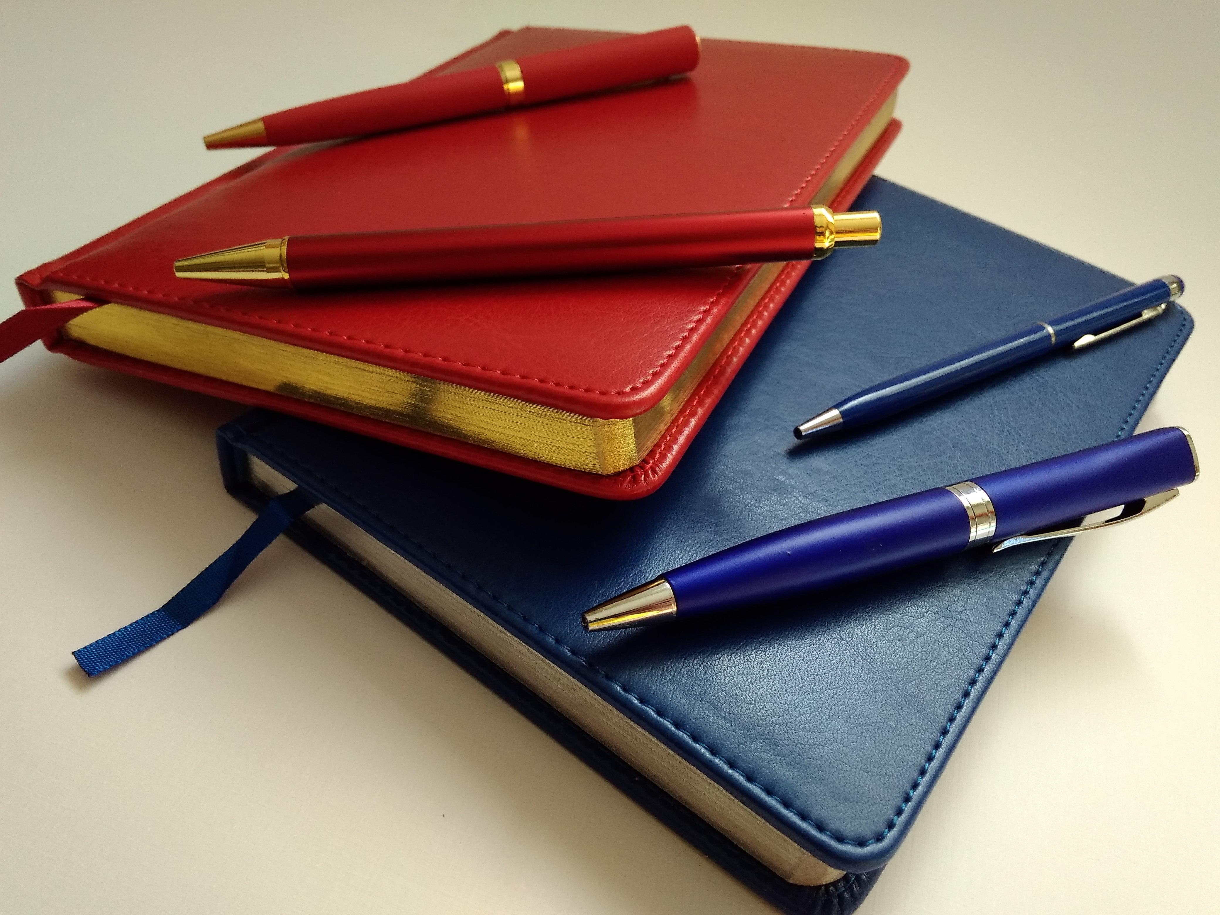 заказать ежедневники и ручки