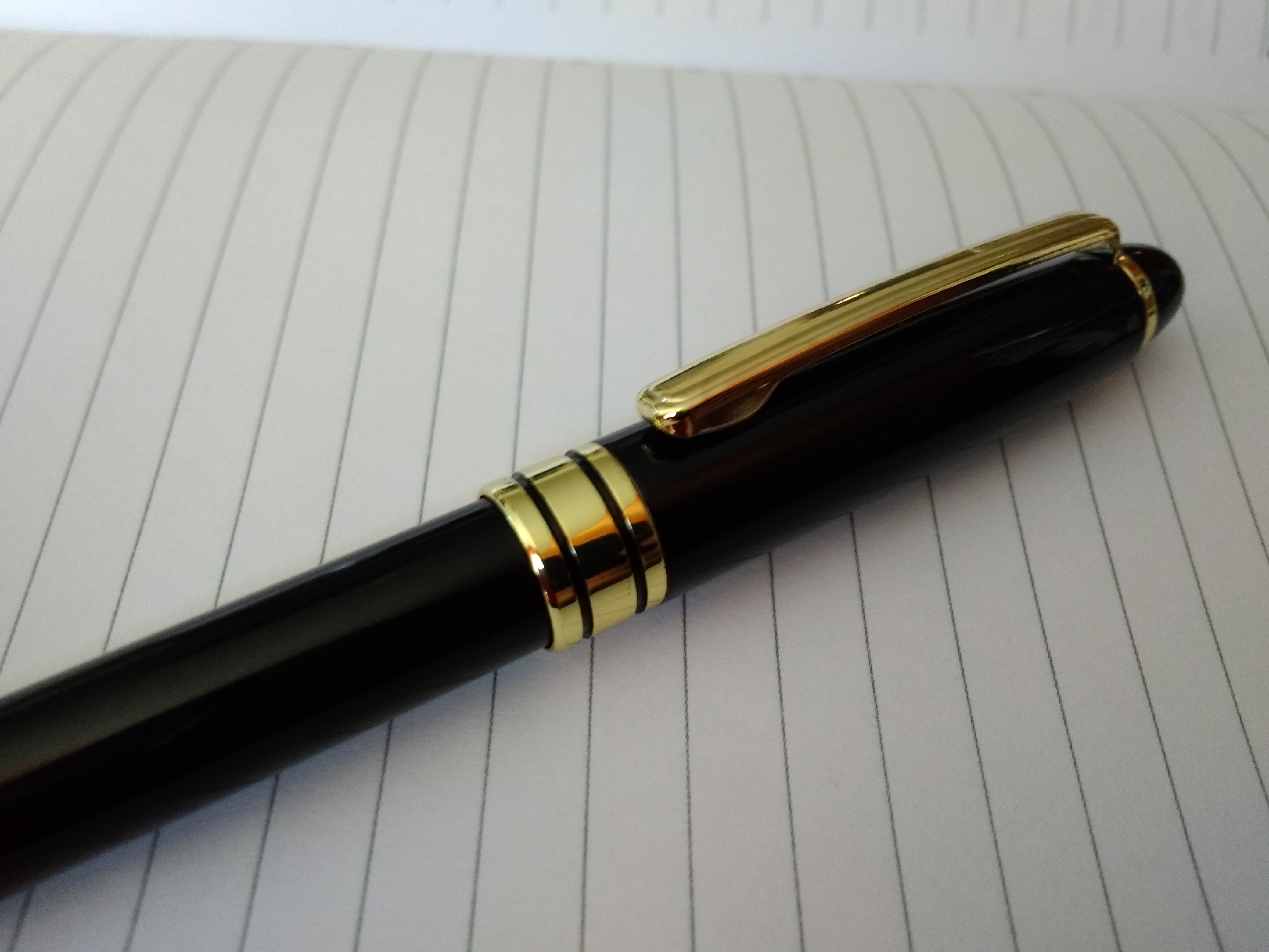ручки черные с золотистым