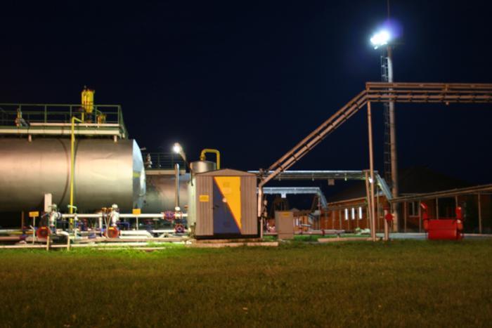 освещение нефтебазы
