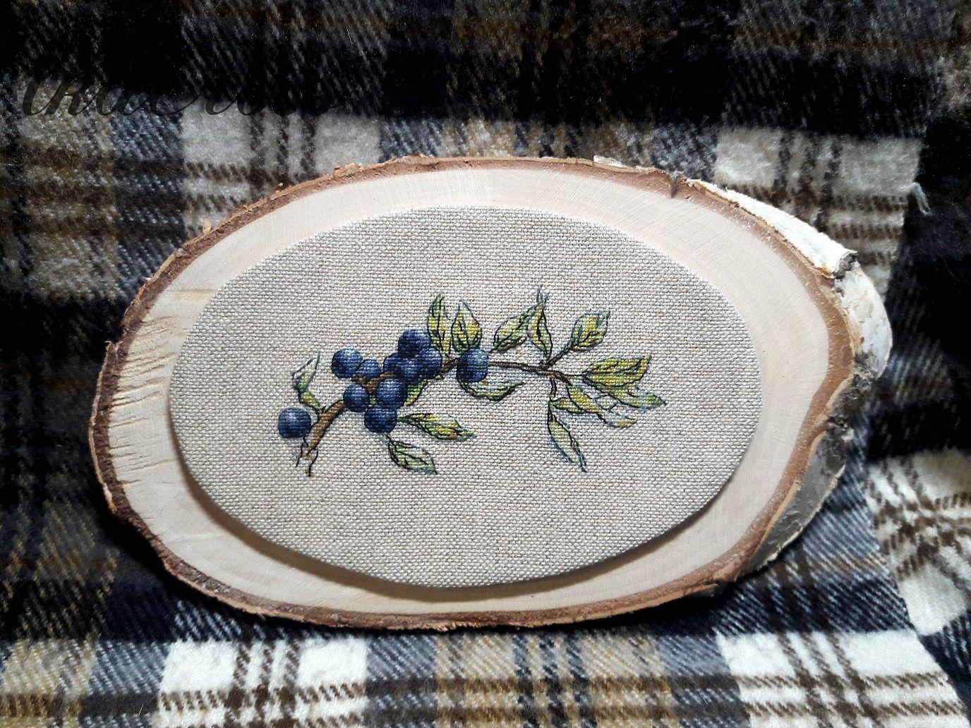 Схема для вышивки крестом Голубика. Отшив.