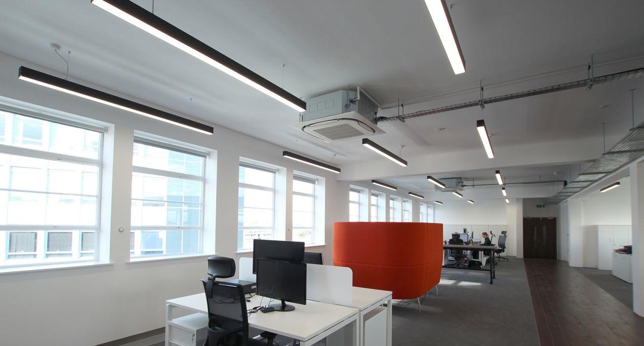 светодиодный светильник потолочный для офиса