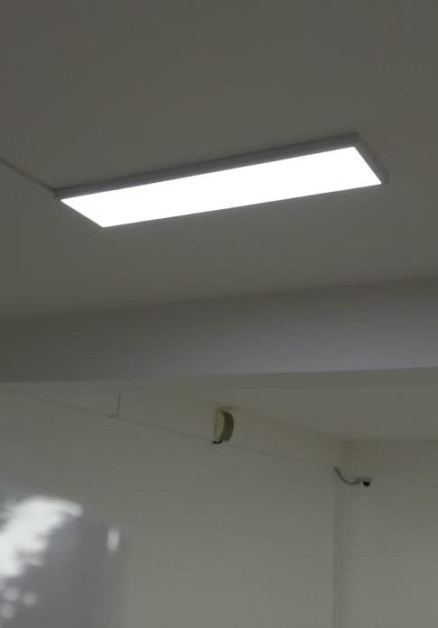 офисный накладной потолочный светильник светодиодный