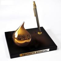 Капля нефти - настольный сувенир