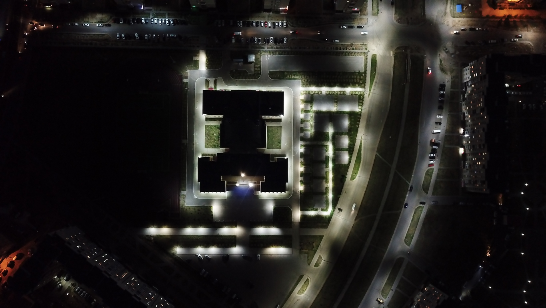 уличное освещение школы