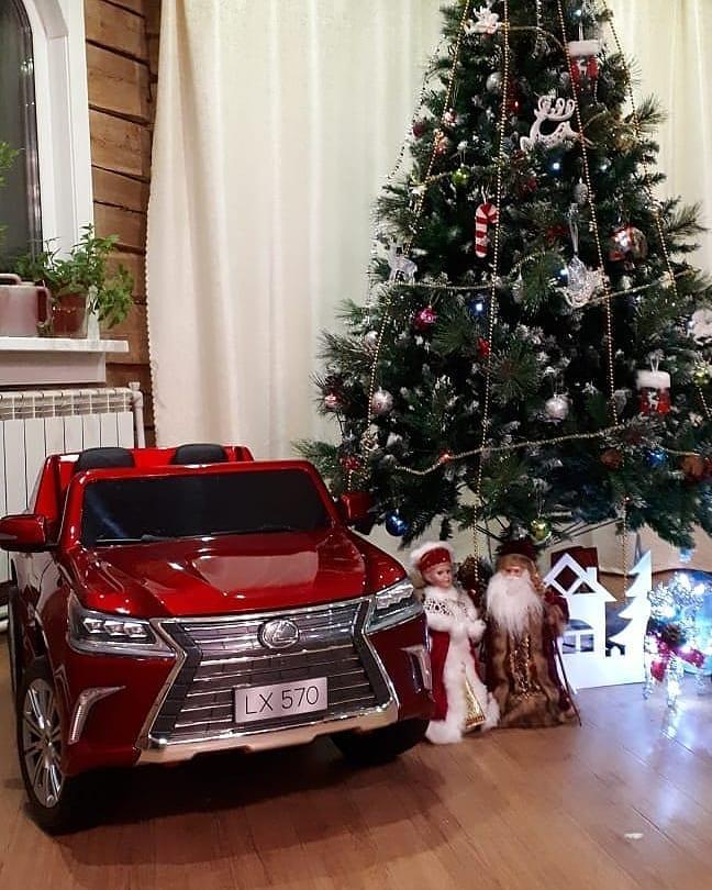 Подарок на Новый Год - детская машина на аккумуляторе