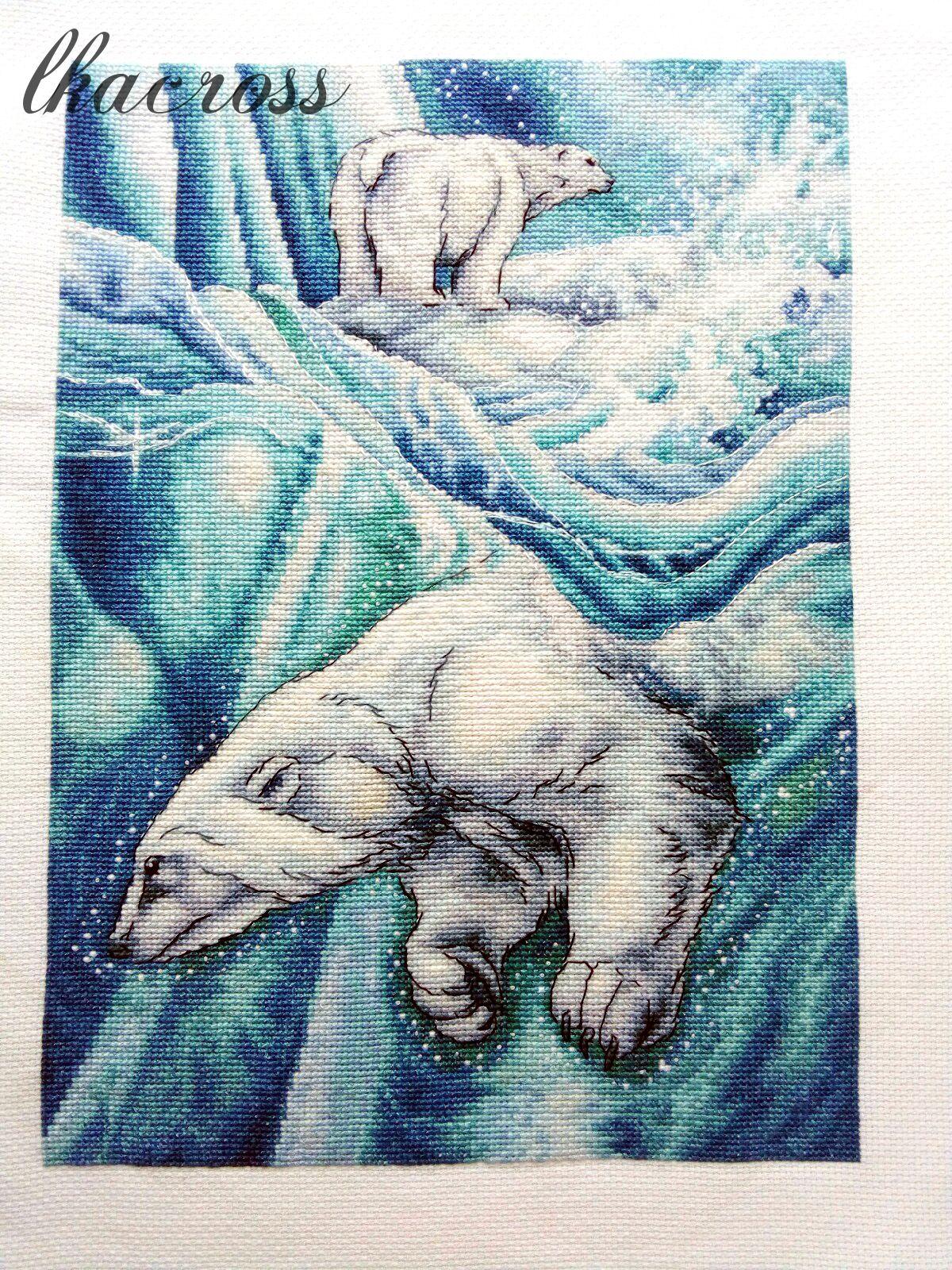 Схема для вышивки крестом Белые медведи. Отшив.
