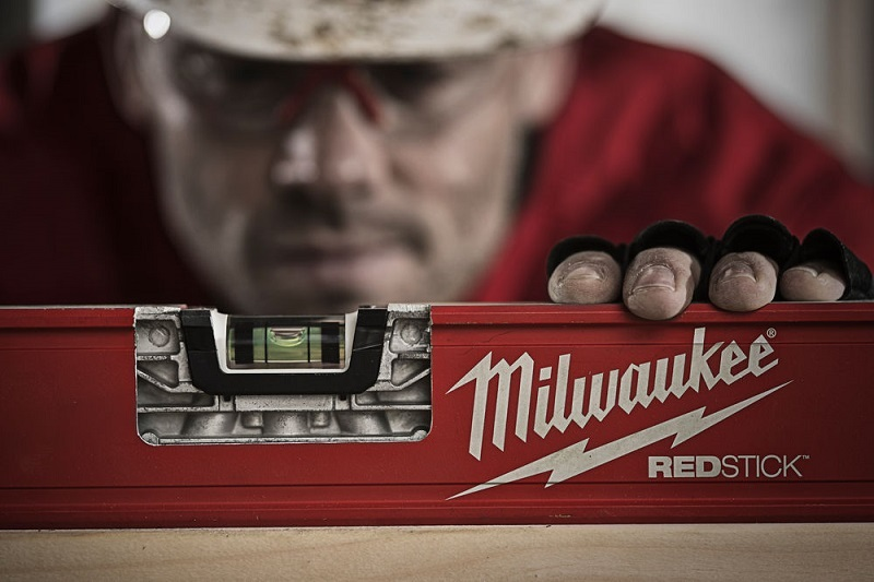 Уровень MILWAUKEE REDSTICK Backbone™ 60 см 4932459062